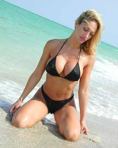 Nude fitness bikini, gif hot babe small tits watching julia mancuso